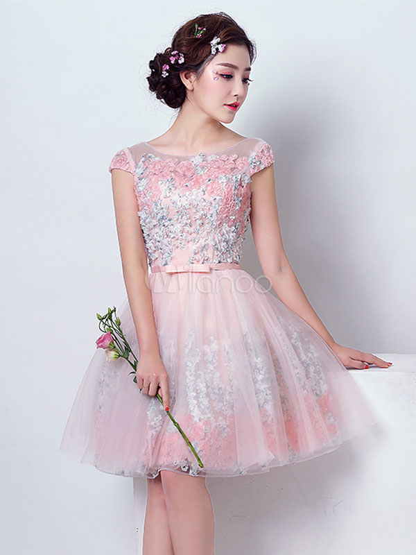Short Prom Dress Soft Pink Tulle Cocktail Dress Flowers Bow Sash Illusion Knee Length Homecoming Dress