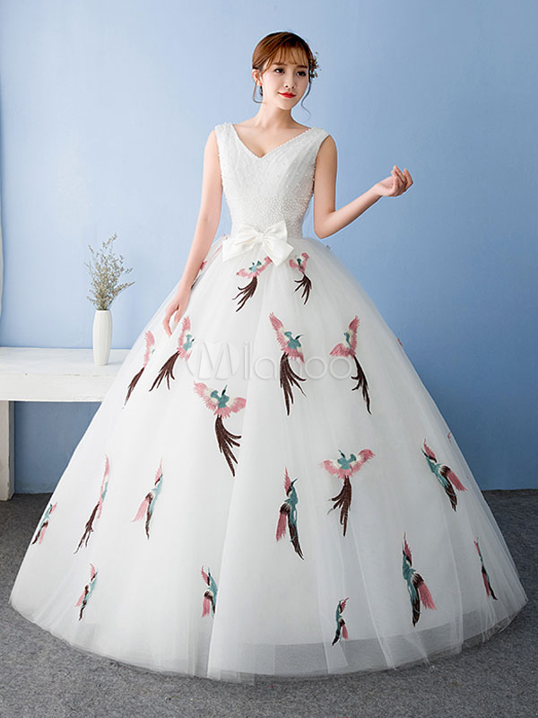 c663d88f48a ... White Quinceanera Dress Tulle Pageant Dress Applique Lace Beading V Neck  Bow Princess Floor Length Prom ...