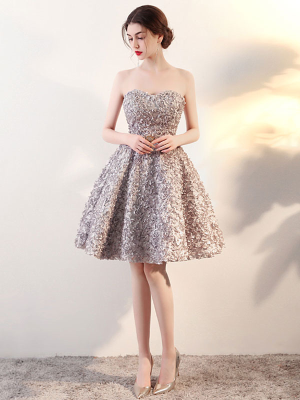 Buy Lace Homecoming Dress Light Grey 3D Flowers Prom Dress Strapless Sweetheart Sleeveless Knee Length Cocktail Dress for $131.99 in Milanoo store