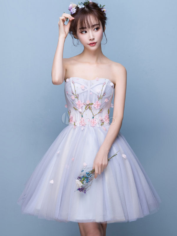 Buy Tulle Homecoming Dress Baby Blue Floral Embroidered Cocktail Dress Strapless Sweetheart Sleeveless Knee Length Prom Dress for $131.99 in Milanoo store