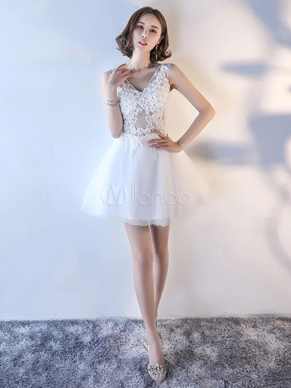 Buy Mini Homecoming Dresses 2018 Ivory Tulle Prom Dress V Neck Backless Lace Flower Applique A Line Short Cocktail Dress for $96.79 in Milanoo store