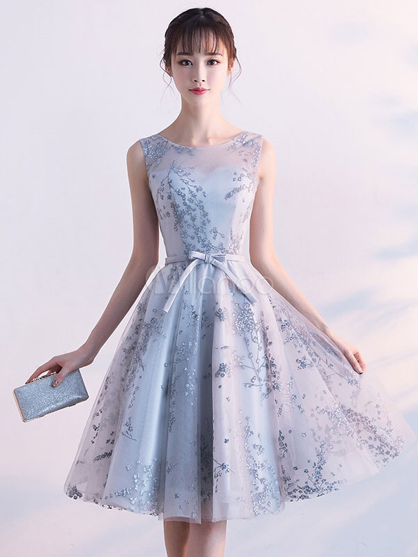 Buy Short Prom Dress 2018 Printed Light Grey Homecoming Dress Illusion Neckline Bow Sash Keyhole Back A Line Knee Length Cocktail Dress for $94.49 in Milanoo store