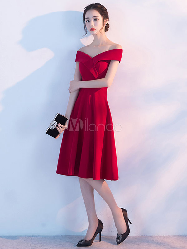 274358bfb56 ... Burgundy Homecoming Dresses Off The Shoulder Short Prom Dresses Elastic  Silk Like Satin Cocktail Dress- ...