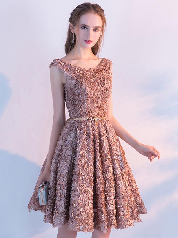 Vestido moderno de cóctel de encaje Ámbar con escote redondo sin ...