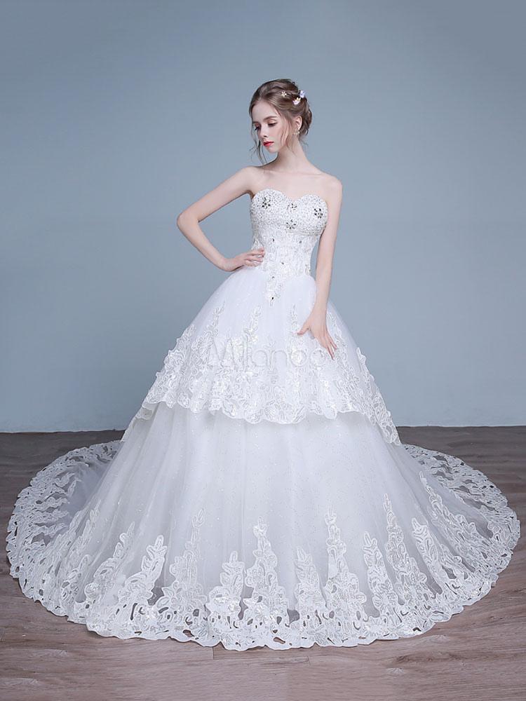 2e3f75795e4 robe de mariée princesse église jardin Avec traîne encolure en coeur sans  bretelles lacets de dentelle ...