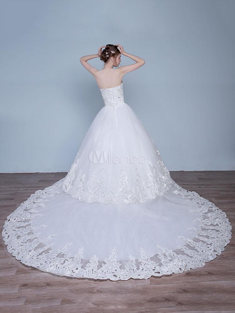 67d2e0807d2 ... robe de mariée princesse église jardin Avec traîne encolure en coeur sans  bretelles lacets de dentelle ...