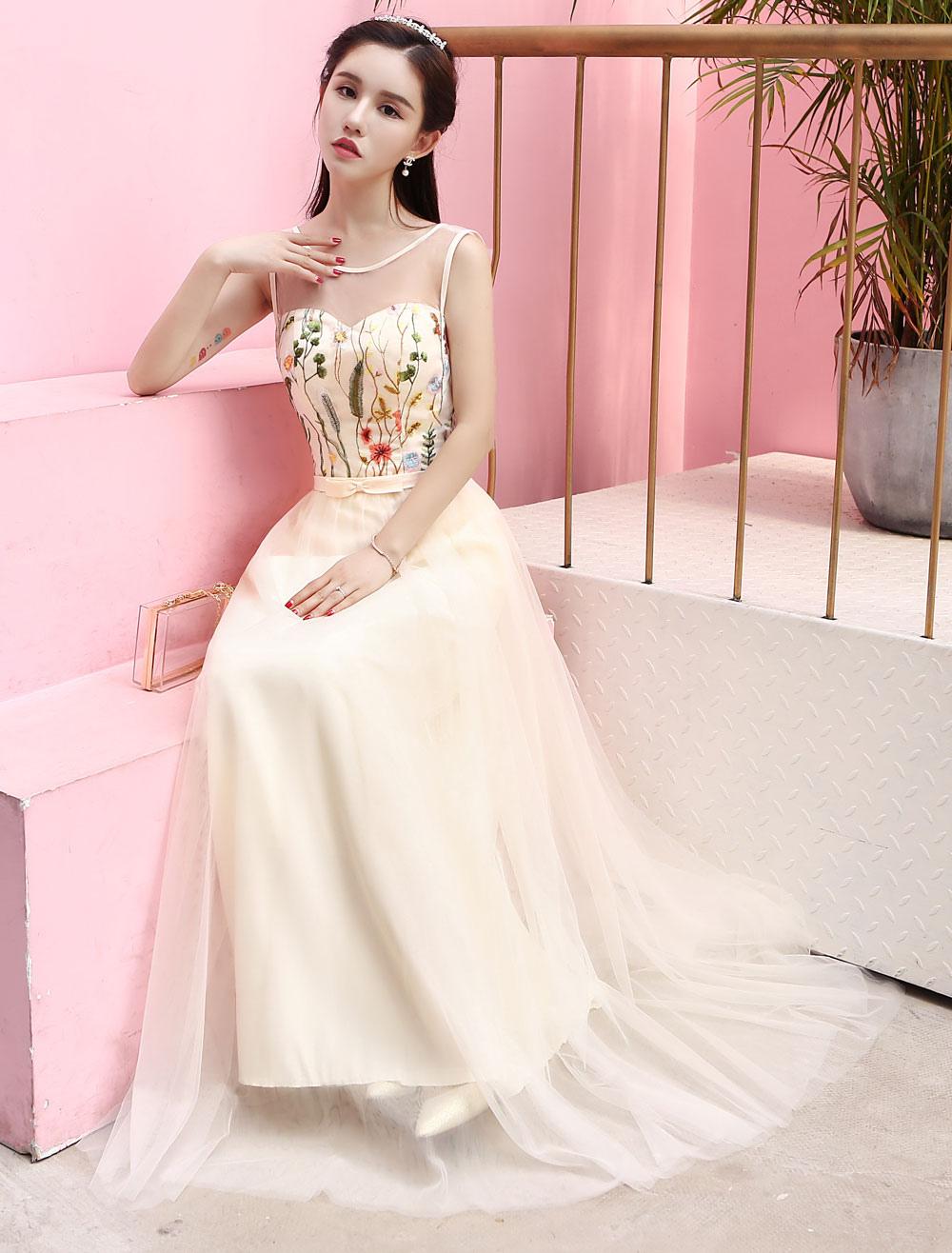 Vestido de Baile de color champaña con escote redondo De banda de ...