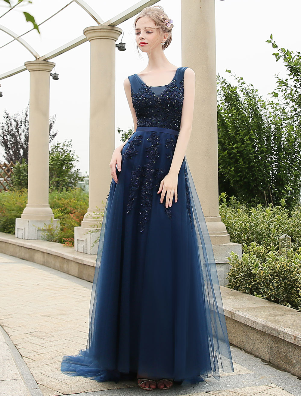 Long Prom Dresses Dark Navy V Neck Backless Lace Beading A Line Tulle Formal Dresses With Train