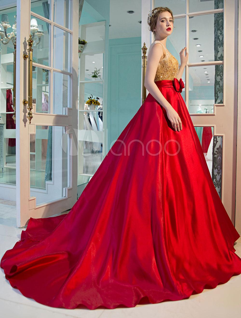 fce1d1dda1d8 ... Abiti di lusso diciottesimo con scollo tondo smanicato Mit Schleppe  vestito da ballo fiocchi di Lacci ...