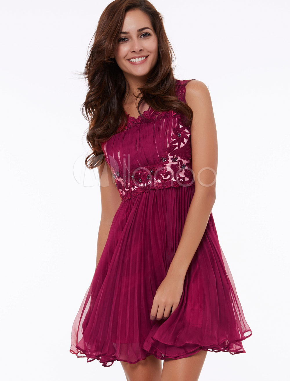 Short Homecoming Dress Burgundy Pleated V Neck Lace Mini Prom Dress