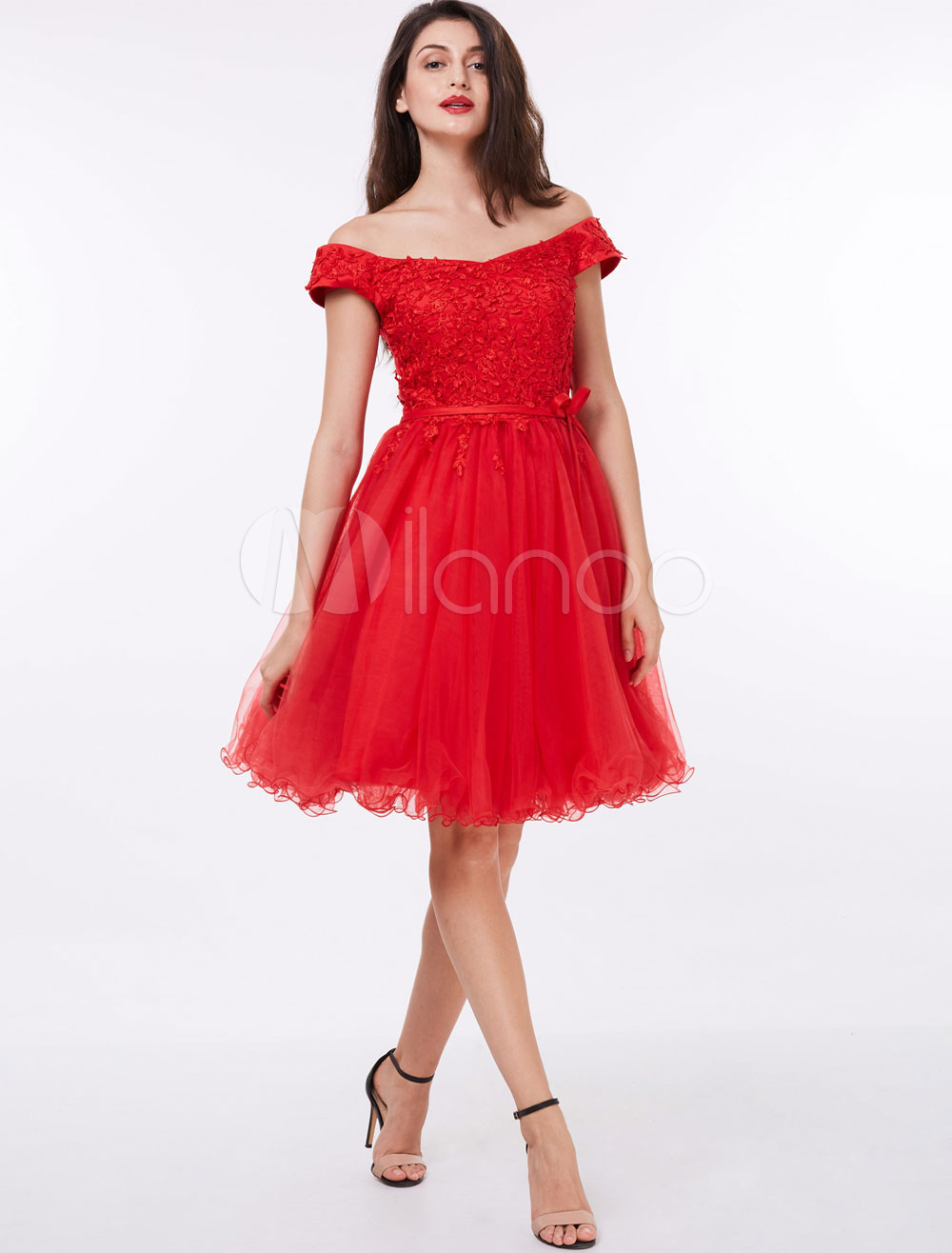 Buy Short Prom Dresses Red Off The Shoulder Homecoming Dress Lace Applique Tulle Party Dresses for $65.99 in Milanoo store