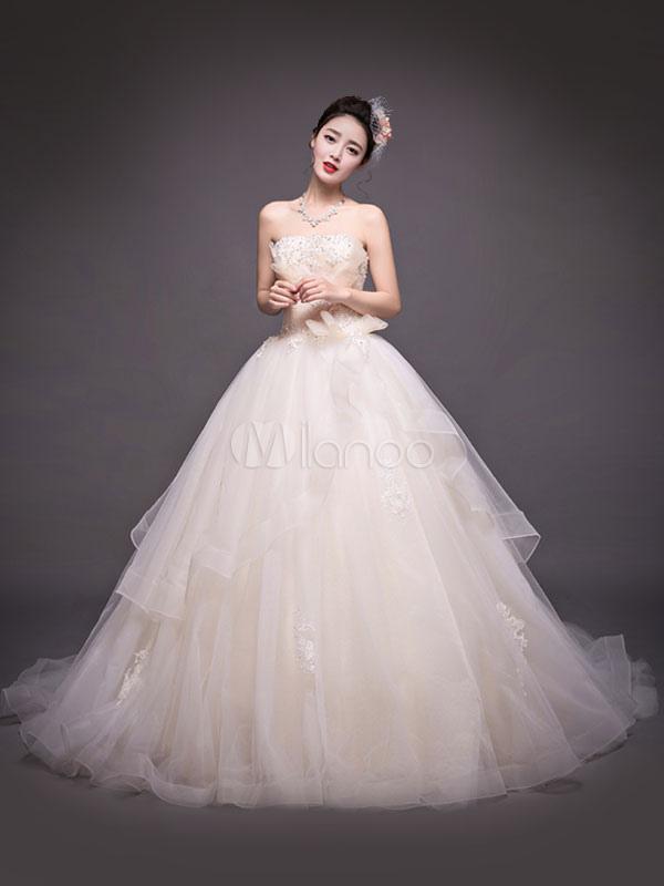 Princesse robe de mari e glise jardin avec tra ne bustier for Robes de jardin