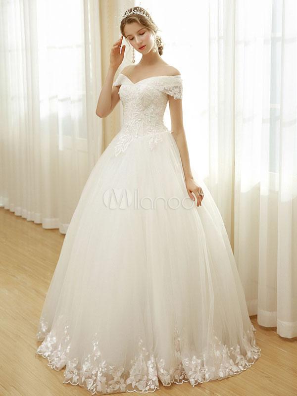 vestido de novia princesa hasta el suelo con escote de hombros