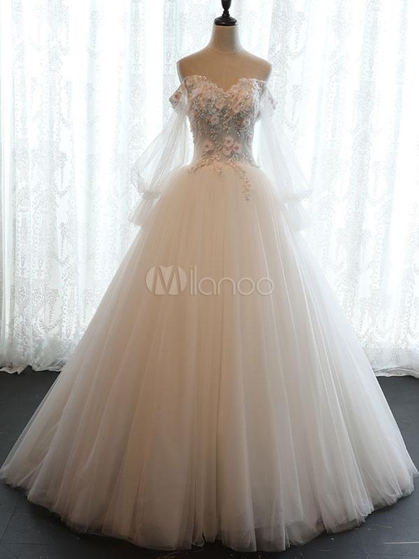 vestido de novia princesa hasta el suelo con escote barco con manga