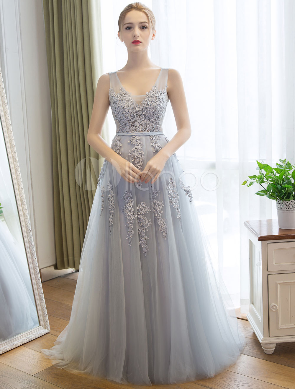 Prom Dresses Long V Neck  Lace Light Gray Party Dress Beading Applique Tulle Maxi Evening Dress With Train