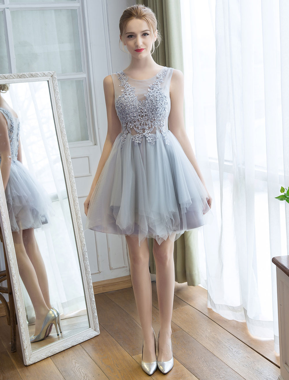 Tulle Homecoming Dresses Lace Applique Tutu Dress Light Gray Short Prom Dress