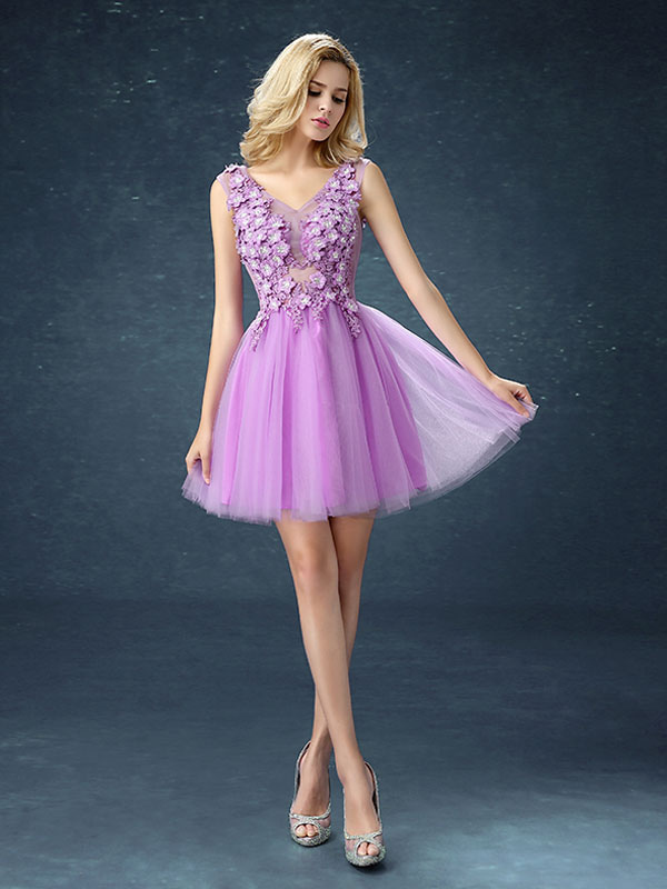 Cute Prom Dresses Short Tutu Lilac Graduation Dress Flowers Applique V Neck Mini Party Dress