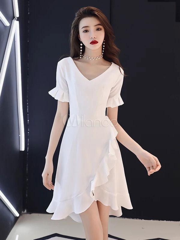 5568ecf1be Vestidos blancos pequeños Volantes de cuello en v con volantes Vestido de  invitados de boda de ...