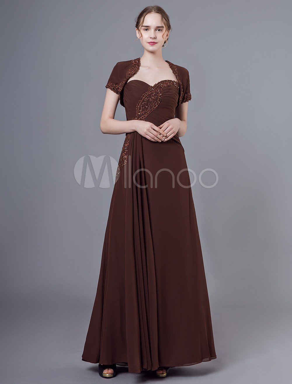 8e52583eab Vestido largo sin tirantes con pliegues de color marrón oscuro plisado  bordado con chaqueta bolero de ...