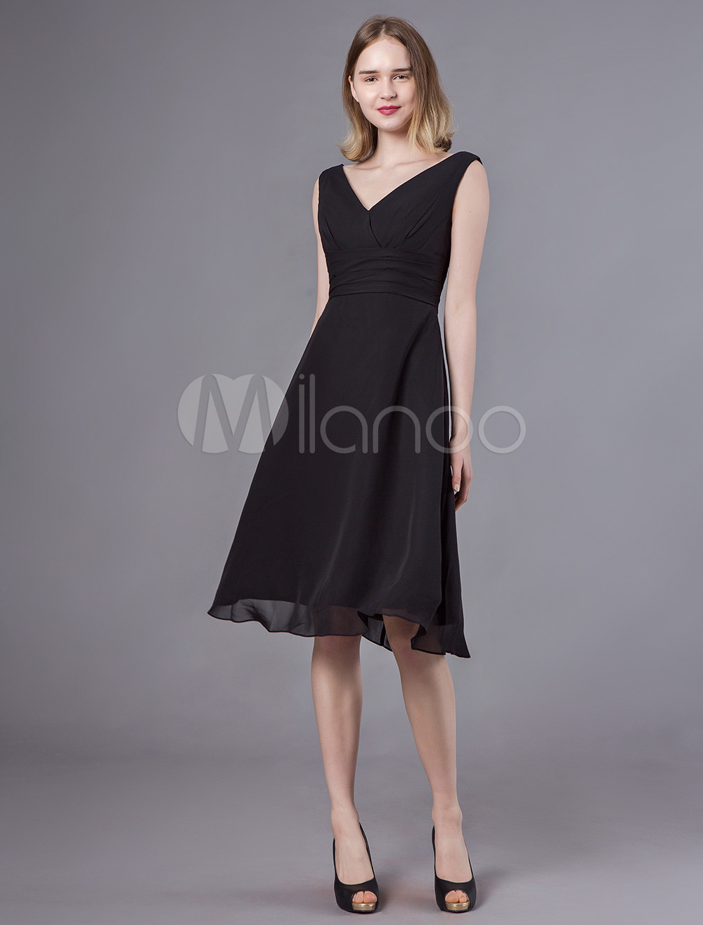 best online on sale excellent quality Black Cocktail Dresses V Neck Chiffon Wedding Guest Dress A Line Knee  Length Graduation Party Dress