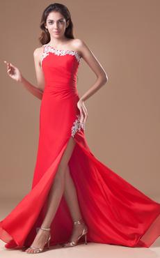 b8569bff14a1 Abito da sera moderno con perline in chiffon rosso asimmetrico