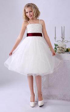 7b83457e6846 ... carino Flower Girl Dress · -30%. Abiti ragazza con fiori d avorio  Spalline con spalline Abito con maniche lunghe in pizzo. Anteprima Lista  dei desideri