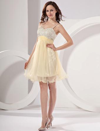f934b8f65a70 Vestito homecoming in colore di narciso elegante di pizzo corto
