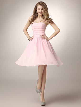 Blush Pink Knee-Length Ruched Chiffon Bridesmaid Dress With Elegant A-line Sweetheart Neck