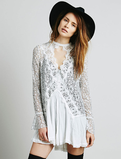 White Lace Dress Round Neck Long Sleeve Cut Out Pleated Short Dress