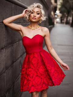 Red Party Dress Lace Strapless Sweetheart Sleeveless Slim Fit Skater Dress