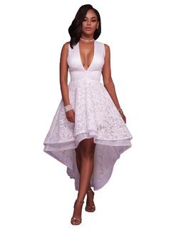 41d01b705c32 Vestito plissettato multistrato di poliestere smanicato con scollatura  profonda con fondo asimmetrico monocolore donna