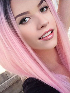 Women Pink Wig Ombre Central Parting Layered Straight Shoulder Length Synthetic Wig