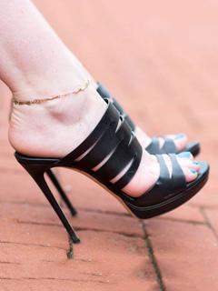 Zapatillas Sandalias negras Zapatillas de plataforma con puntera abierta para mujer Sandalias deslizantes Venta realmente Barato 2018 Paquete de cuenta atrás en línea De moda A hoy u66DLLdtA