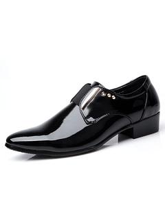 Zapatos de vestir de tacón gordo de puntera redonda sintéticos negros Artísticos con remache estilo modernopara hombre Invierno SJhGdVa