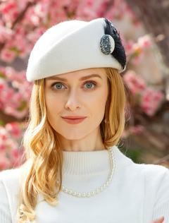 bbc29e9428b8ee Beret Hat White Vintage Women Felt Wool Hat Feathers Retro Cap Headpieces