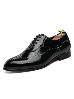 ca02cec18 Zapatos ocasionales negros hombres remaches de punta redonda zapatos de  cordones