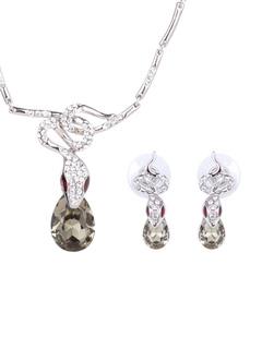 267792f2b811 Juego de joyas con forma de serpiente de cobre elegante y elegante de plata  para mujer