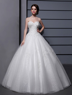 Wedding Dresses Ball Gown Strapless Bridal Dress Ivory Sweetheart Neckline Tulle Applique Beaded Wedding Gown