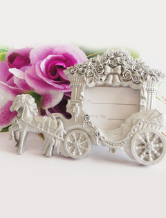 White Carriage Resin Frame And Album Favors