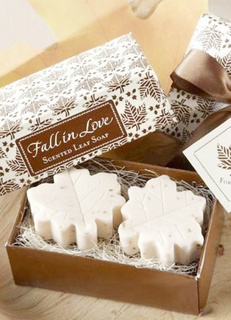 2-Piece White Maple Leaf Pattern Soap Favors for Wedding