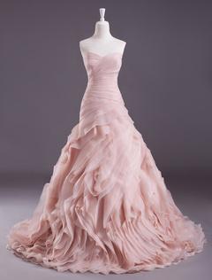 8b8b077cb080 Vestito da sposa roso elegante in organza con scollo a cuore con lo  strascico