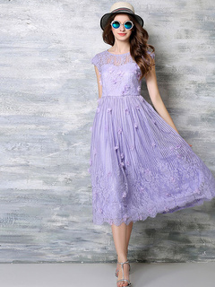 Short Sleeves Lace Pleated Maxi Dress for Woman