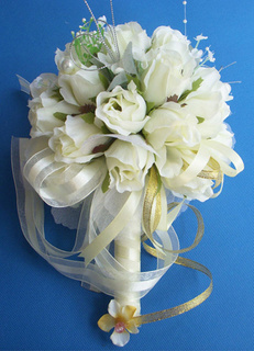 Rose Ribbon Bouquet For Wedding Ceremony