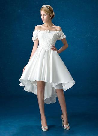 f2a0005505c0b2 Sommer Brautkleider vorne kurz hinten lang 2019 weißer Spitze-Satin weg vom  Schulter-Brautkleid
