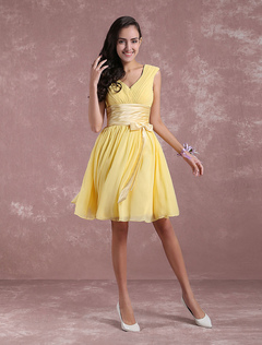 Short Bridesmaid Dress Daffodil Chiffon Prom Dress Sleeveless Pleated Ruched Ribbon Bow Sash Knee Length Party Dress