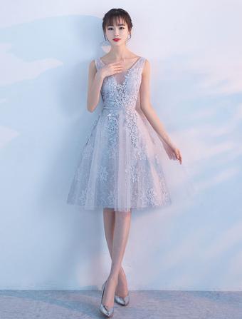 20b1343ff16735 Süßes 2019 Abendkleid für Homecoming mit V-Ausschnitt Tüll A-Linie- und  Gürtel