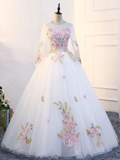 White Quinceanera Dresses Princess Long Sleeve Pageant Dress Women Flowers  Applique Floor Length Prom Gown
