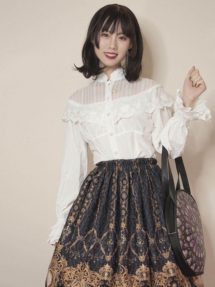 huge discount 2c44c b462e Camicia Lolita classica Camicia Lolita bianca in cotone con risvolto in  pizzo
