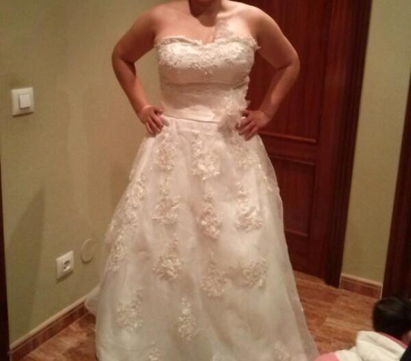 vestido de novia blanco de tul con escote de corazón de estilo de