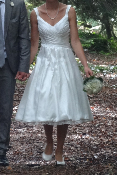Ivory Wedding Dress Knee-Length Backless Straps Lace Wedding Gown ...